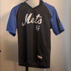 MLB boys Mets shirt.